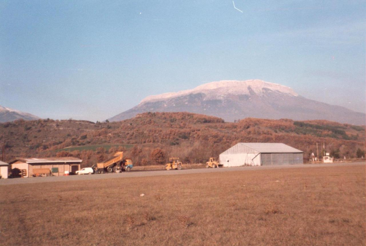 Hangar du CERPS Nov-Dec 1986