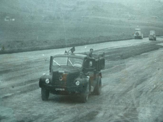 Création piste revêtue en1969