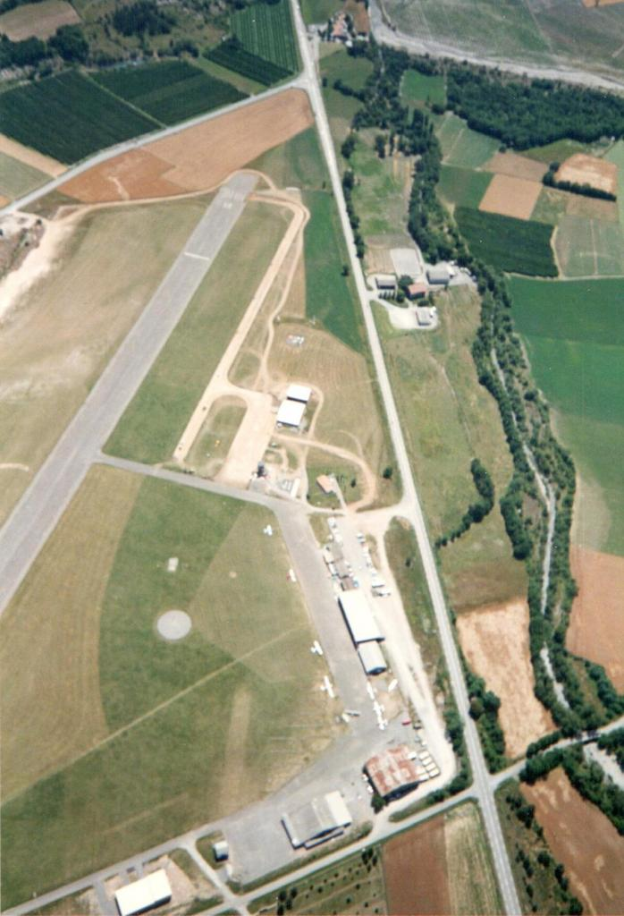 Taxiway et Parking juillet 1993